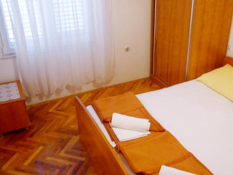 studio_s10_chorwacja_pag_sypialnia_okno