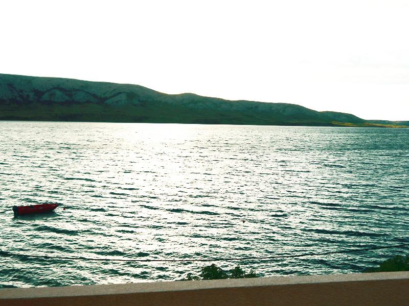 widok_z_tarasu_chorwacja_wyspa_pag_wynajem